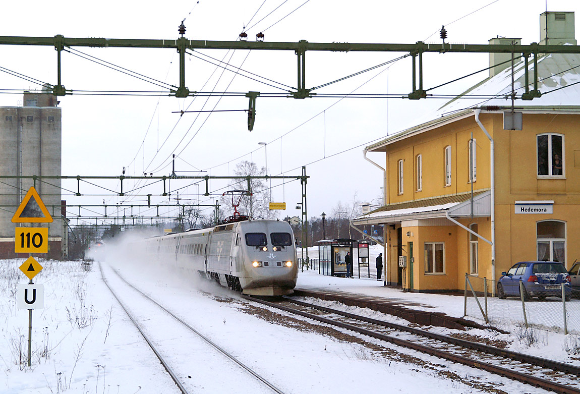 sj tåg stockholm falun
