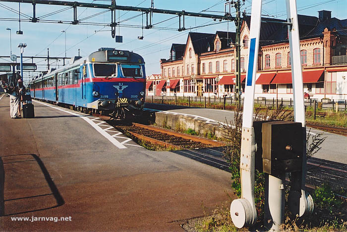 tåg till varberg